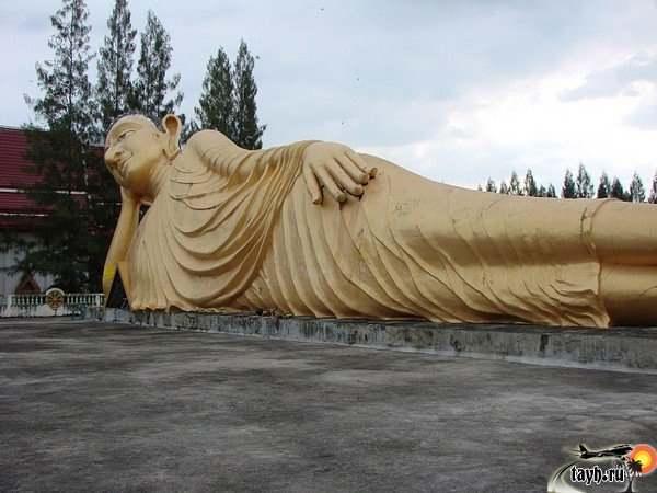 Wat Sri Soonton. Пхукет