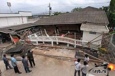 рухнул дом в Тайланде