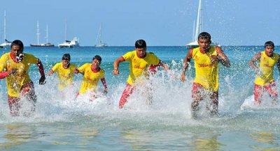 спасатели на пляже Пхукета